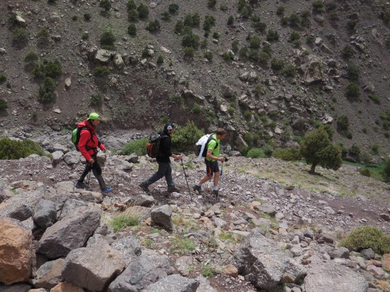 trekking Maroc 2014_au coeur de l'Atlas marocain_le président Philippe Dumonceau emmené par Yves Richard