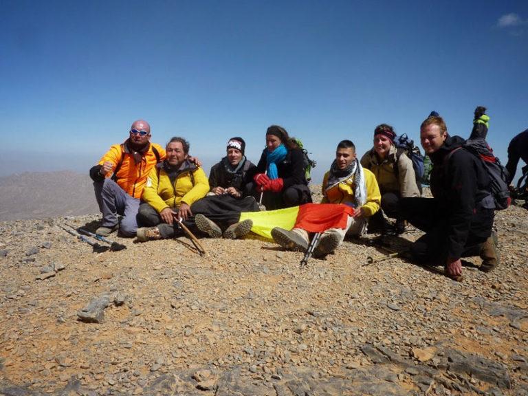 Trekking Maroc 2013. Le groupe des déficients visuels au sommet du Mont M'goun.