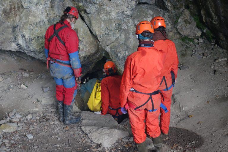Spéléologie 2017_entrée dans la grotte Sainte-Anne à Tilff
